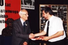 2000 30 IV wręczenie książki